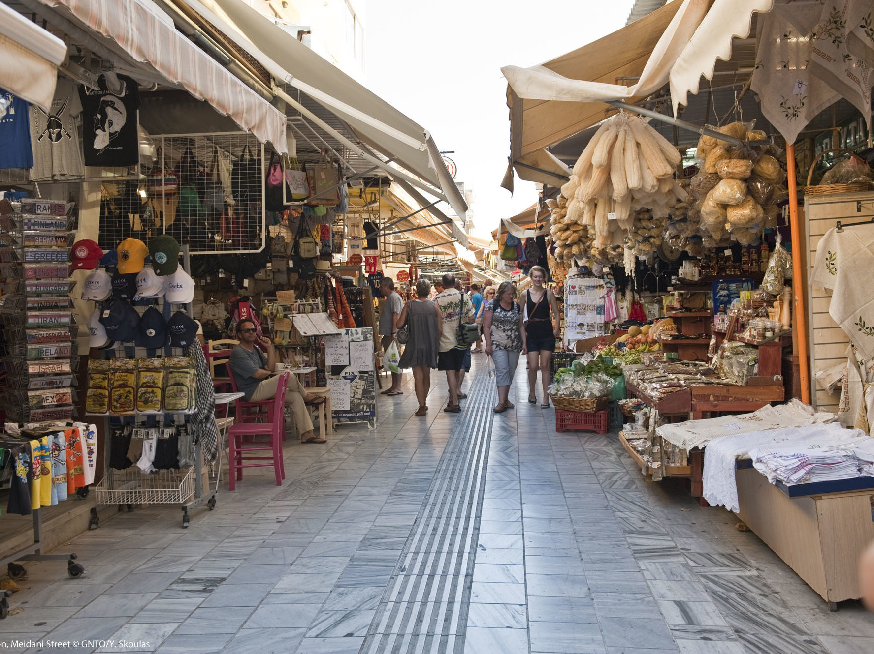 Crete_Heraklion_MeidaniStreet_7974_photo Y Skoulas
